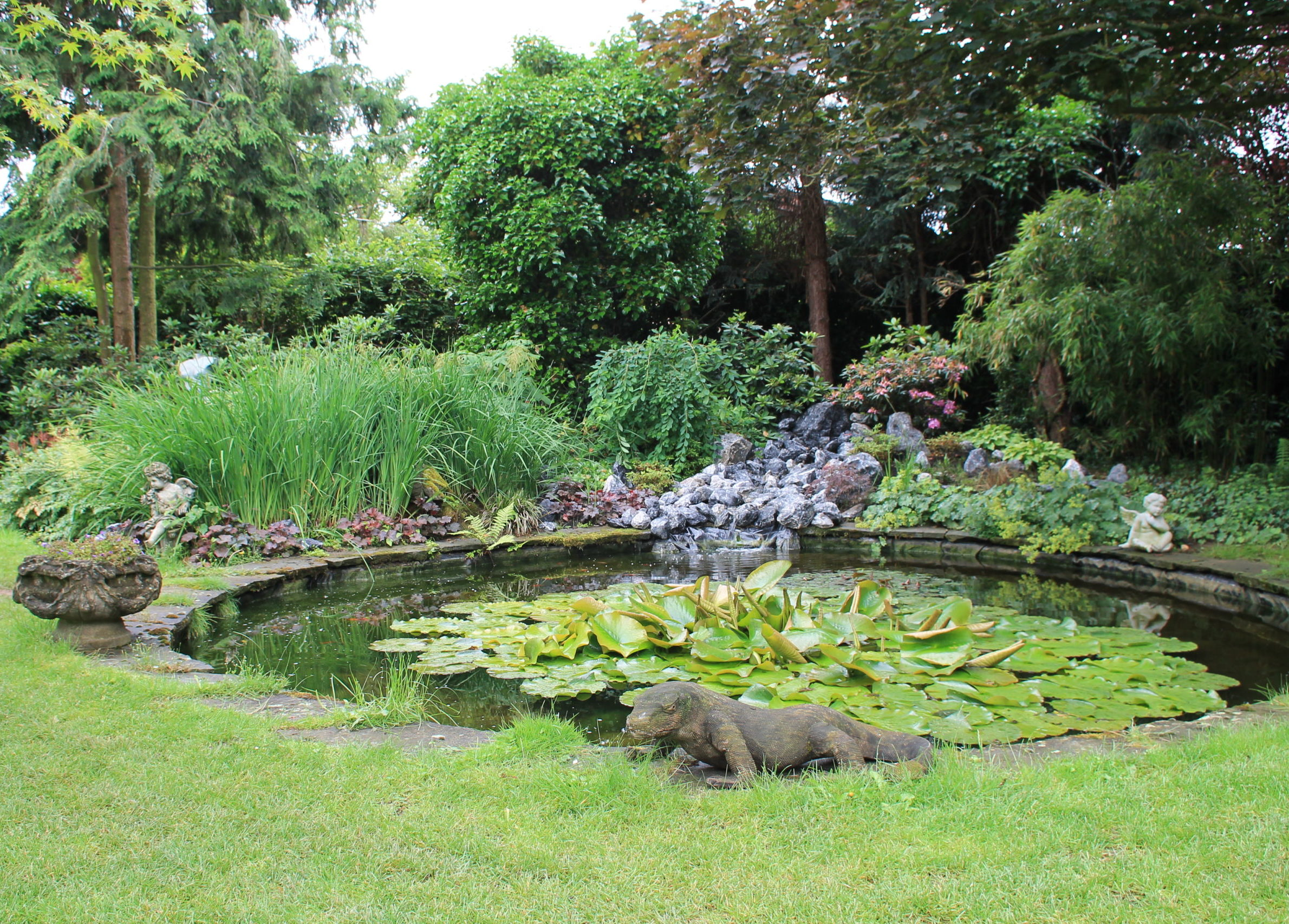 Klassischer Teich